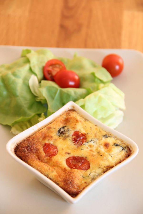 Clafoutis de tomates cerises et fromage de chèvre