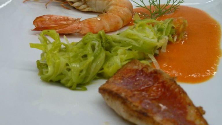 Crevettes et rougets coulis de poivron