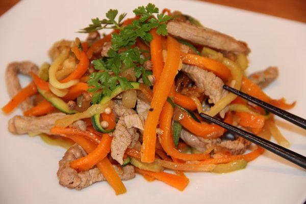 Wok de porc aux petits légumes