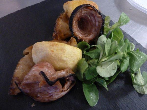 Andouille de Guéméné en sucré-salé de pomme et tatin d'oignon de Roscoff