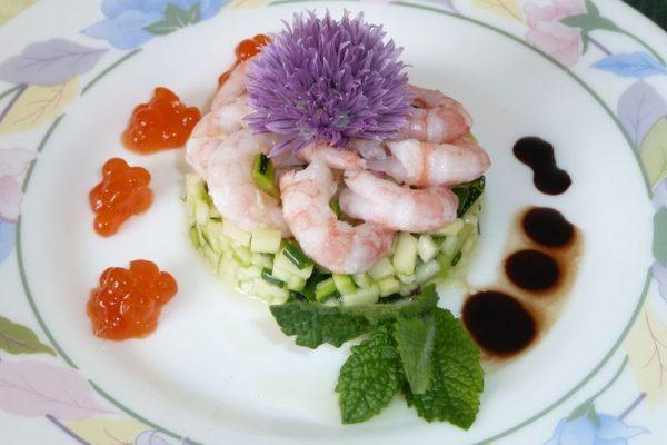 Tartare de courgette aux crevettes