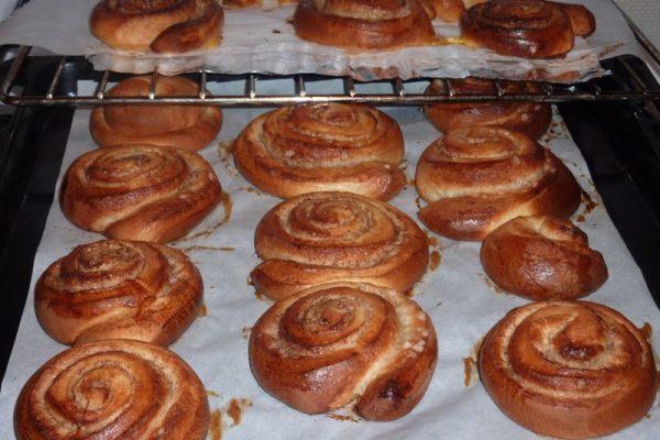 Les petits pains suédois à la cannelle ou Kanelbullar