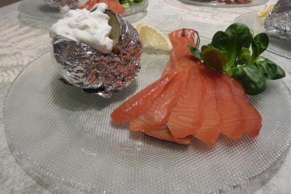 Pavé de saumon fumé à la ficelle, pomme au four