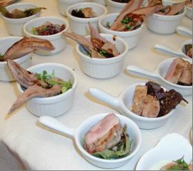 Filets de caille ou aiguillettes de canard gras en amuse-bouche