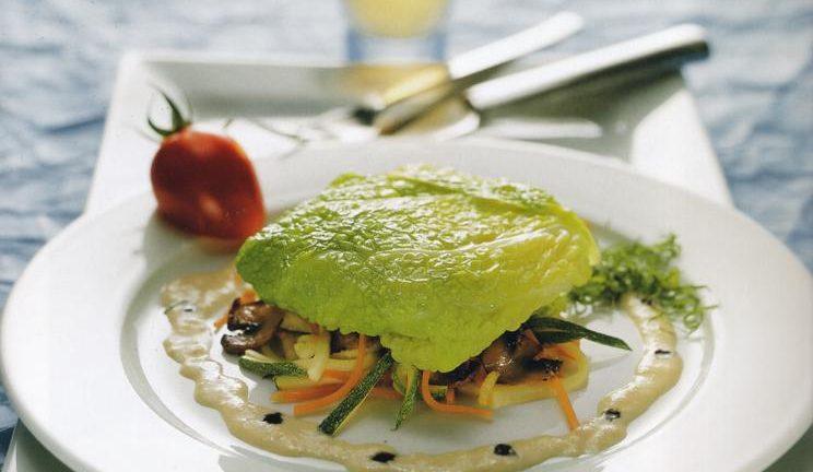 Paupiette de flétan et julienne de légumes sauce crevette
