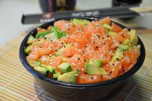 Mariné de saumon cru et avocat à l'huile d'olive-mandarine