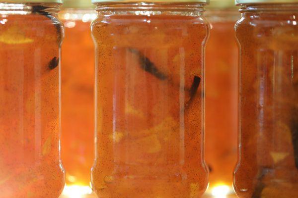 Confiture de mangue, vanille de Madagascar et rhum Damoiseau 15 ans d'âge