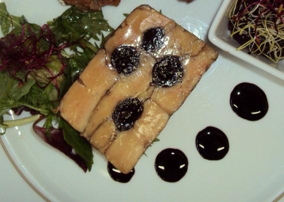Marbré de foie gras poêlé aux cerises Amarenas