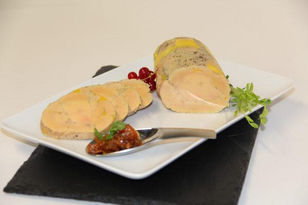 Foie gras basse température, chutney poire vanille